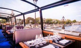 Városnéző étterembusz járja Párizst