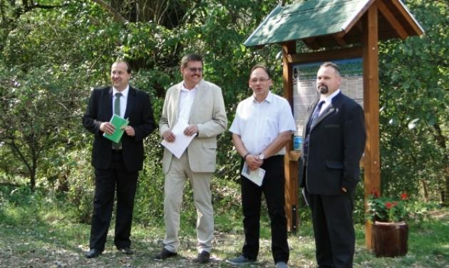 Tanösvény, túraútvonalak, mobileszközök Komáromban