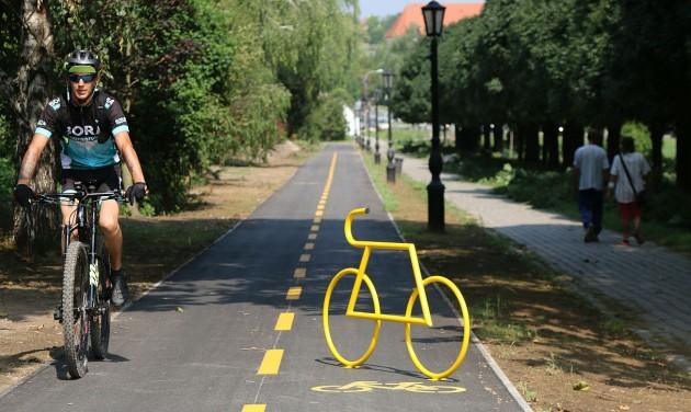 Átadták az Oroszlány és Tatabánya közötti kerékpárutat