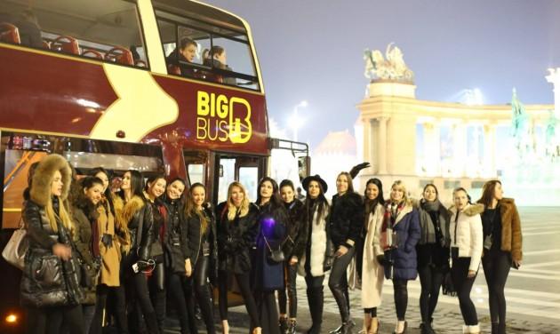 Topmodellek a Big Bus városnézésen!