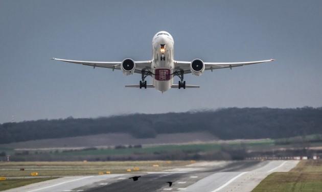 Egyre jobban veszélyeztetik a repülést a drónok