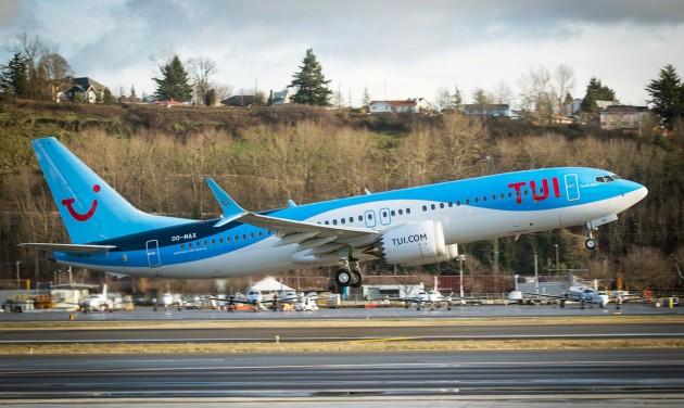 A TUI kitart a Boeing mellett