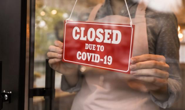 Lázadnak a lengyel vendéglátósok, de a kormány nem engedi az újranyitást