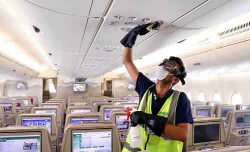 Koronavírus: több légitársaság ingyenes átfoglalást biztosít