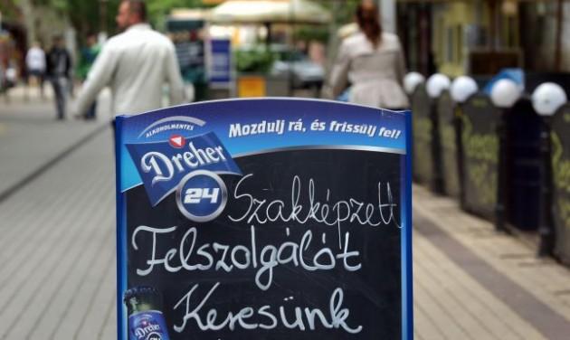 Augusztusban felpörögtek a bérek a turizmusban