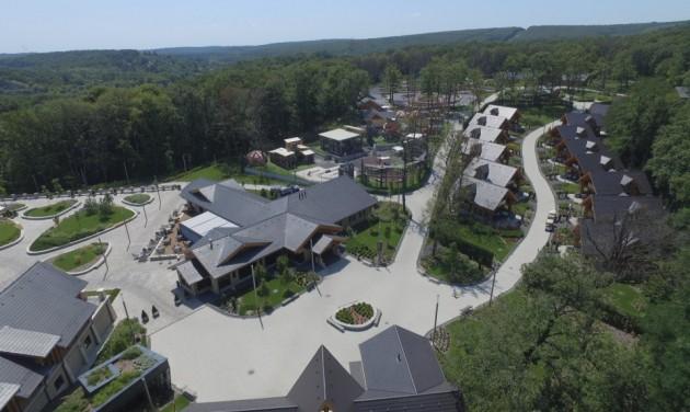 Tatán és a Balatonnál építkezne az Avalon Park