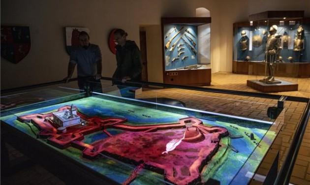Új, digitális látványelemek a gyulai várban