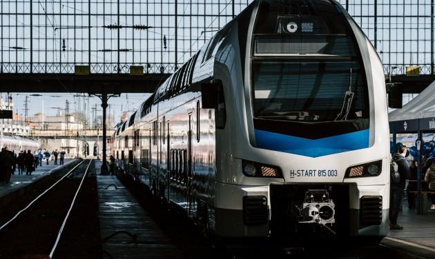 Tavasszal már utazhatunk az emeletes KISS vonatokkal