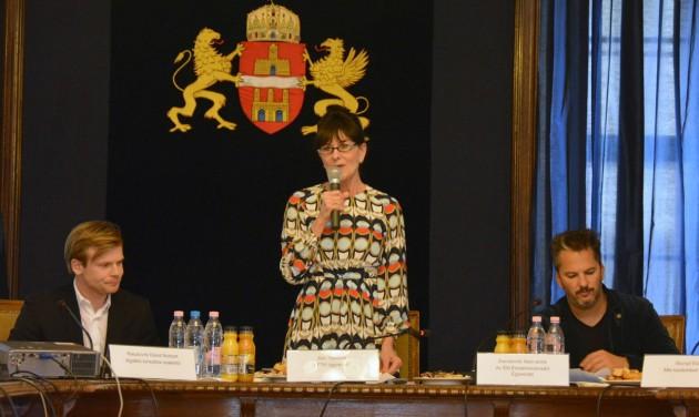Eltűnhet a készpénz a budapesti Bulinegyedből?