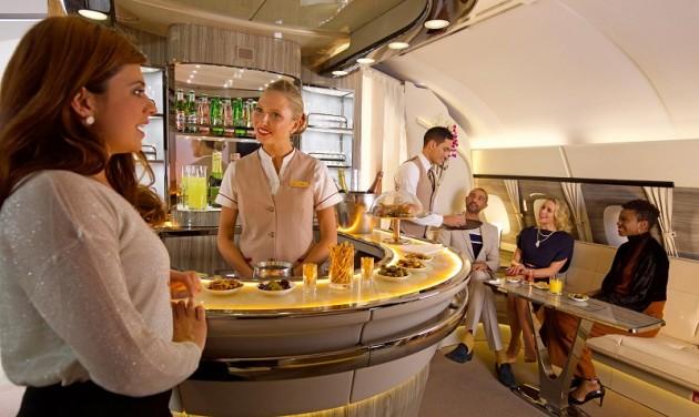 Felújított lounge-al ünnepel az Emirates