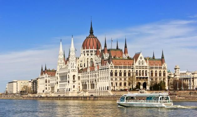 Csodás Magyarország: Budapesti séták földön, vízen, levegőben