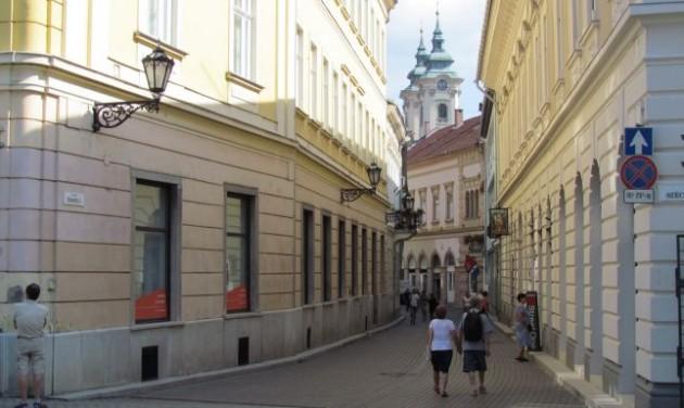 Kovács Kati csillagot kap Eger belvárosában